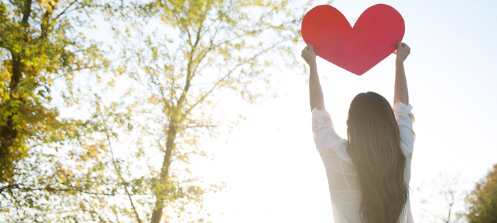 Top 40 Worshipful Songs About Love for Valentine's Day